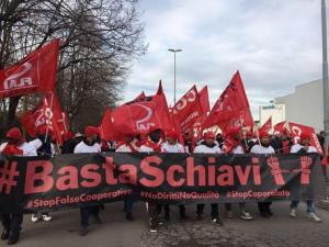 Castelfrigo: protesta contro 127 licenziamenti