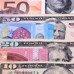 banconote-euro-dollaro-fotolia-kpSD--835x437@IlSole24Ore-Web